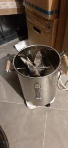 Закладка рыбы в коптильню